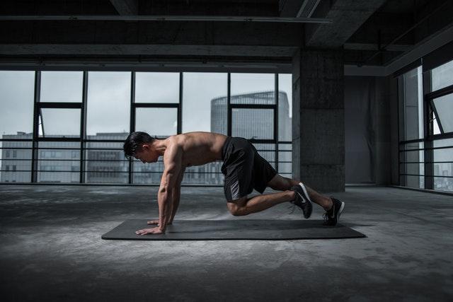 Diese kardioschwere Krafttrainingsserie bringt jeden Muskel in Ihrem Korpus zum Leuchten
