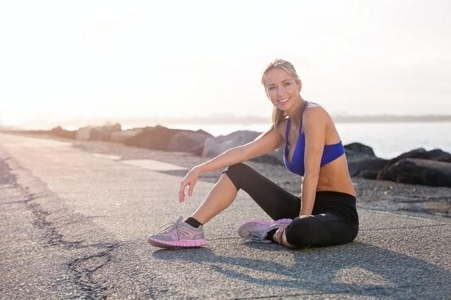 Dieses Pilates-Training im Zusammenhang  den Oberkörper stärkt und strafft in wohl 10 Minuten